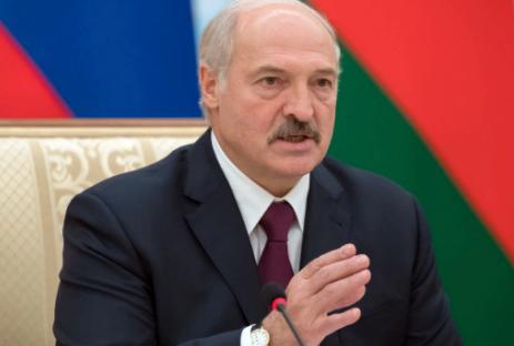 Лукашенко считает, что посол Белоруссии в России должен обладать особыми полномочиями