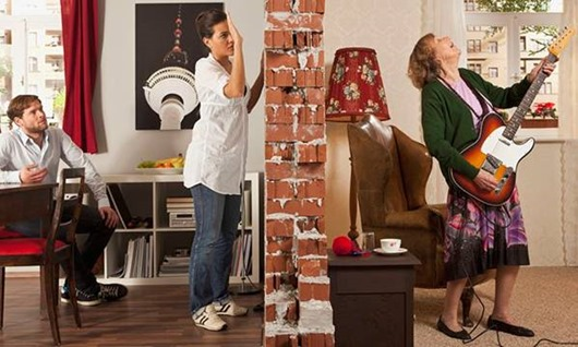 Как проучить шумных соседей