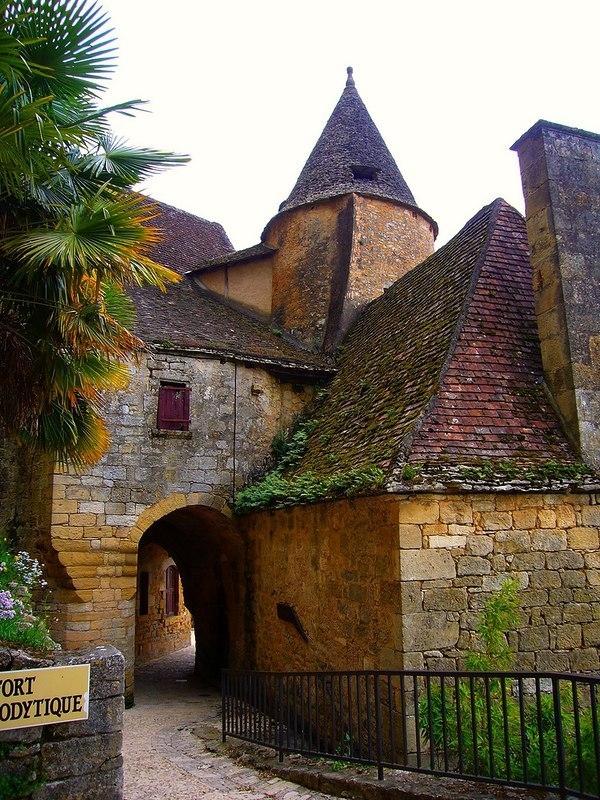 Деревня La Roque Gageac (Рок Гажак). Франция