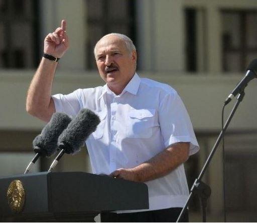 Я вас никогда не предавал. Я вас никогда не предам — Лукашенко обратился гражданам Белоруссии