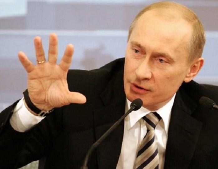 «Рука Кремля» дотянулась до Макрона