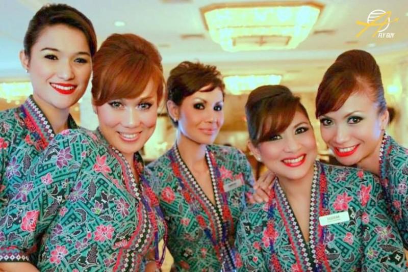23. Малайзия - Malaysia Airlines люди, пилоты, стюардессы