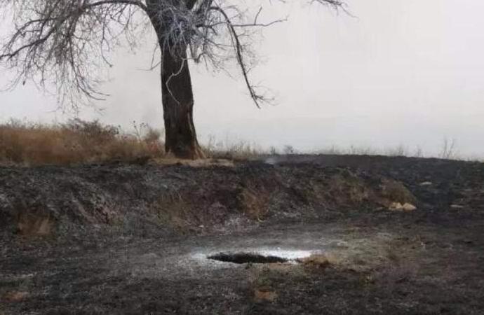 Упавший НЛО оставил в земле горящую дыру