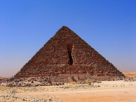 Menkaure's_Pyramid