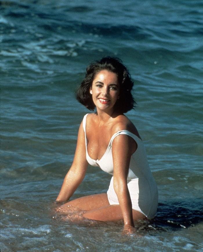 swimsuit04 Ретрошик: 20 легендарных купальников из кино