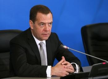 Политологи назвали имя следующего премьера и новое место работы Медведева