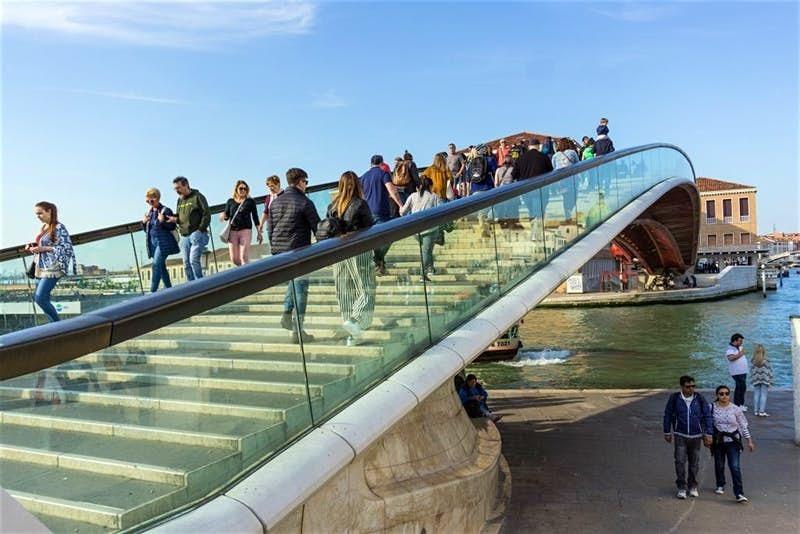 Знаменитого архитектора обвинили в том, что он построил плохой мост в Венеции