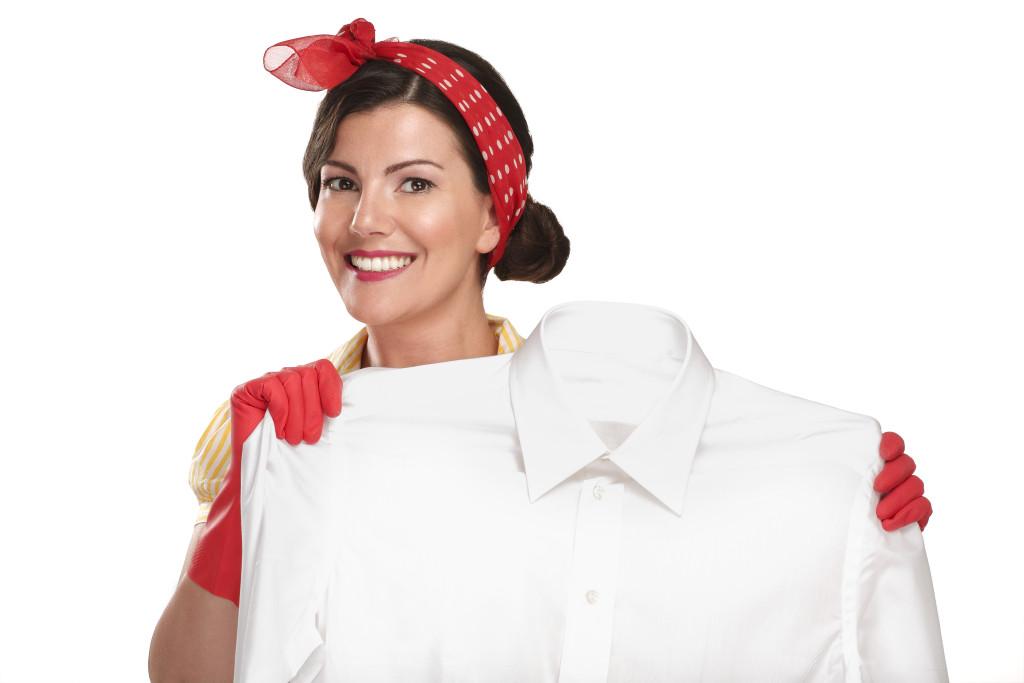 Избавляем белые вещи от пятен и желтизны. Домашние недорогие и экологичные секреты сияющей белизны вещей
