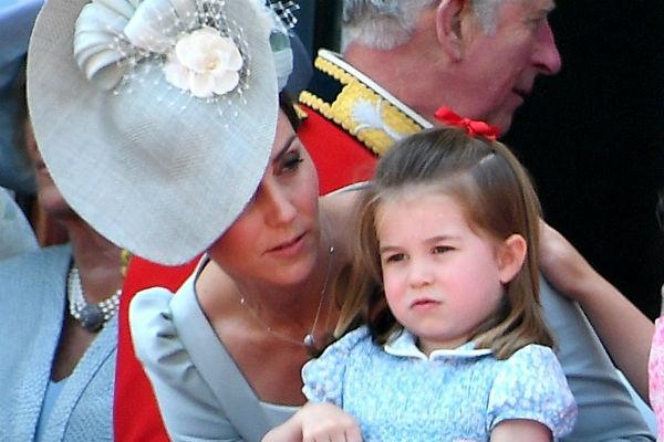 Кейт Миддлтон тщательно продумывает каждый выход дочери в свет