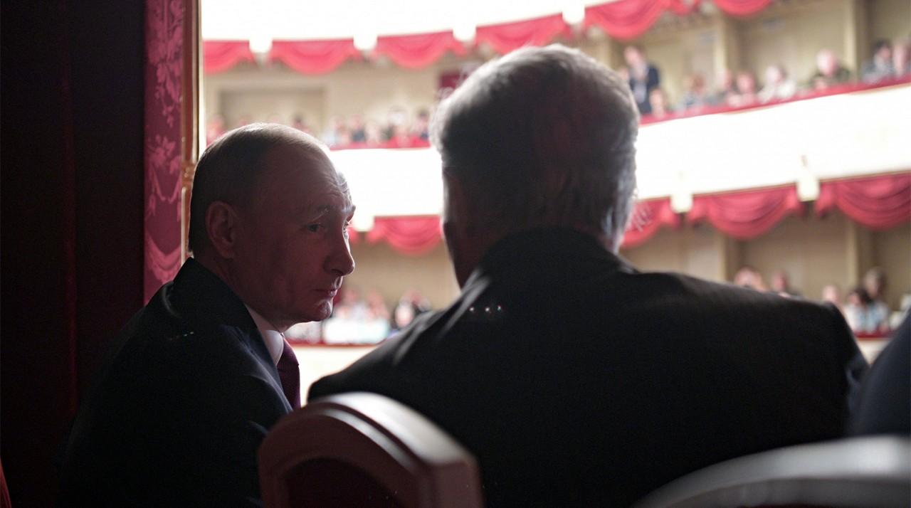 «Последняя жертва»: Путин сегодня посетит спектакль в Малом театре