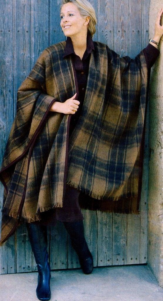 Накидка-пальто своими руками за полчаса!