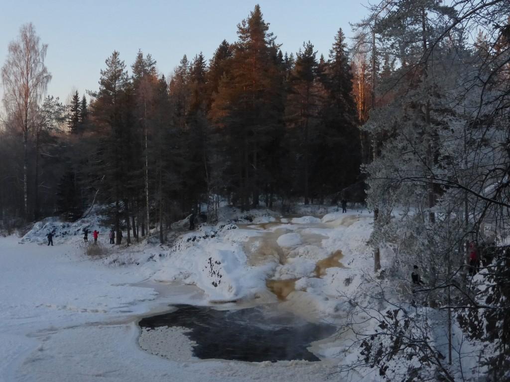 Морозы водопаду не страшны