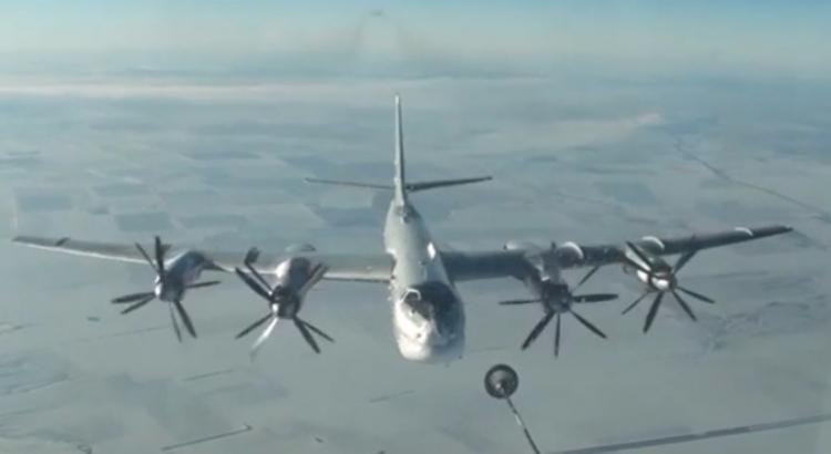 Видео авиаударов ракетоносцев ВКС России по боевикам ИГ взорвало Сеть