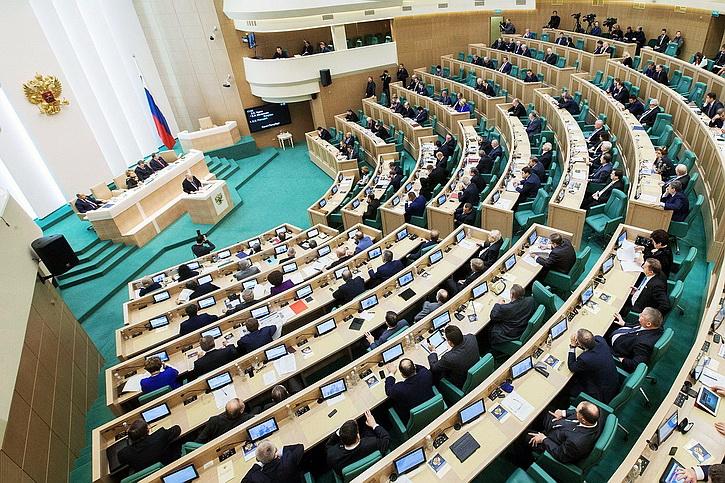 Совет Федерации обвинил Порошенко в людоедстве