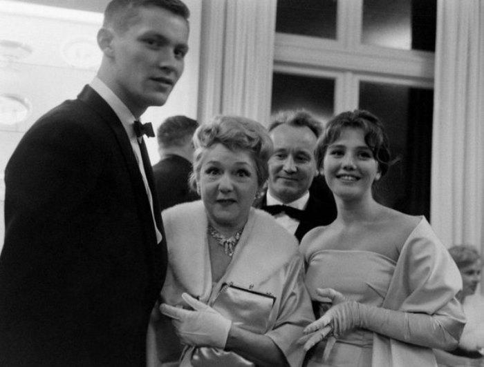 Владимир Ивашов, Мэри Пикфорд и Жанна Прохоренко в Сан-Франциско, 1960   Фото: kino-teatr.ru