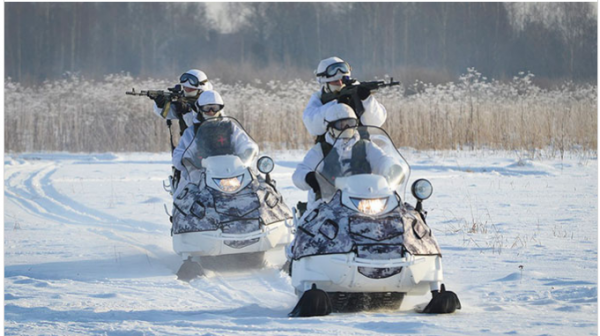 Российская армия получила новейший арктический снегоход и зимнюю экипировку  для экстремальной погоды