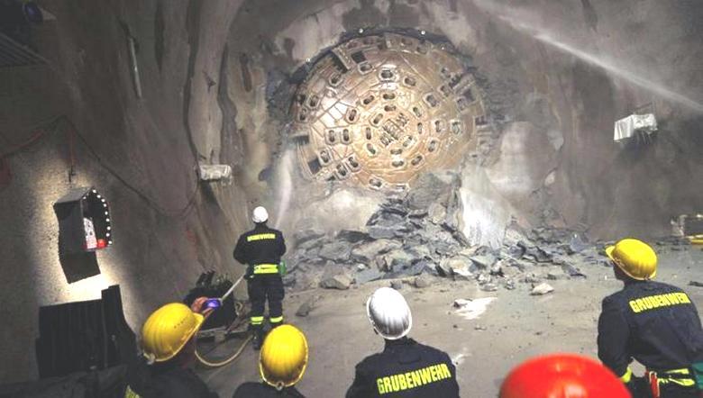 Антарктида и Австралия соединены подводными туннелями