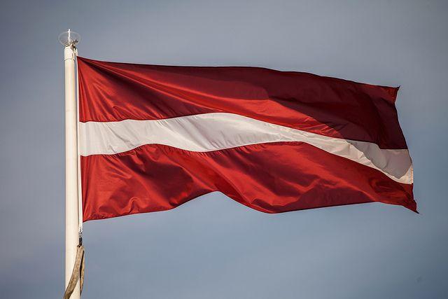 Посольство РФ осудило осквернение памятника советским воинам в Латвии