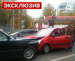 27.02.2013 15:30 : Оппозиционер Алексей Навальный покинул здание Следственного комитета