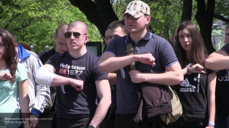 Украинский цирк: в Одессе радикалы подрались с полицией на концерте Ирны Билык