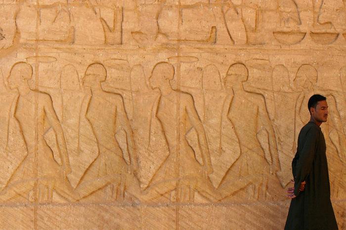 Роспись на стене, сделанная в храме Абу-Симбел.