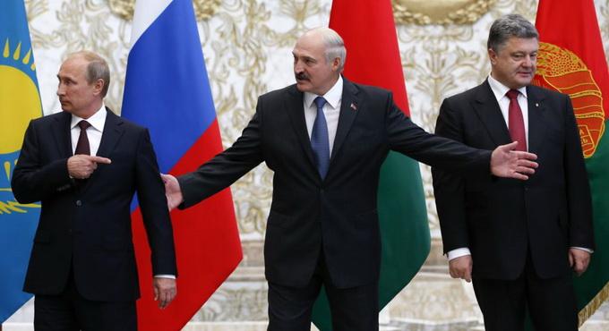 Лукашенко готов ввести 10 тысяч белорусских военных в Донбасс
