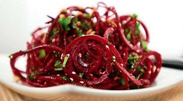 Эти салаты избавят от закупорки кровеносных сосудов и нормализуют мозговую деятельность