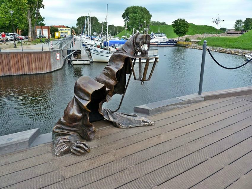 Необычные статуи мира 2