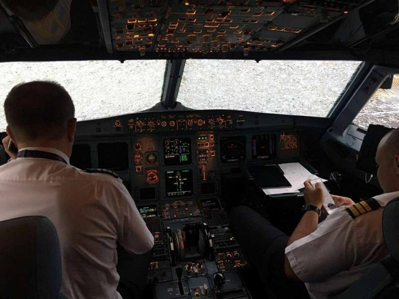 Пилот Акопов совершил героическую посадку аварийного пассажирского лайнера в стамбульском аэропорту