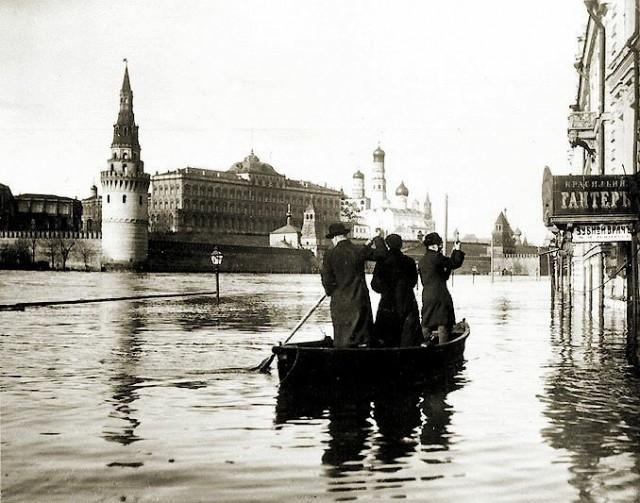 Редкие кадры из архивов. Наводнение в Москве 1908 г