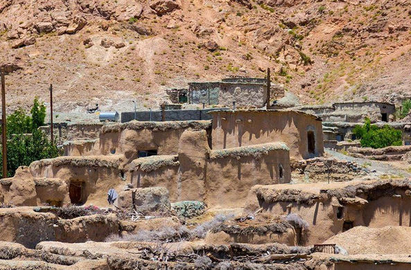 Местный житель рассказал об иранской деревне карликов