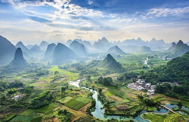 Река Ли в окрестностях города Гуйлинь. Китайцы считают этот пейзаж одним из красивейших на Земле виды, города, китай, красота, необыкновенно, пейзажи, удивительно, фото