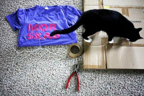 Дом для кота из футболки