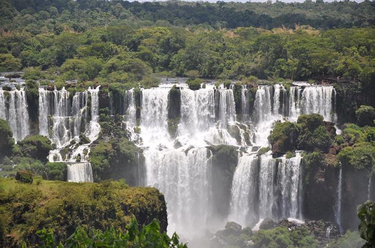 Водопады Игуасу в Аргентине. Фото