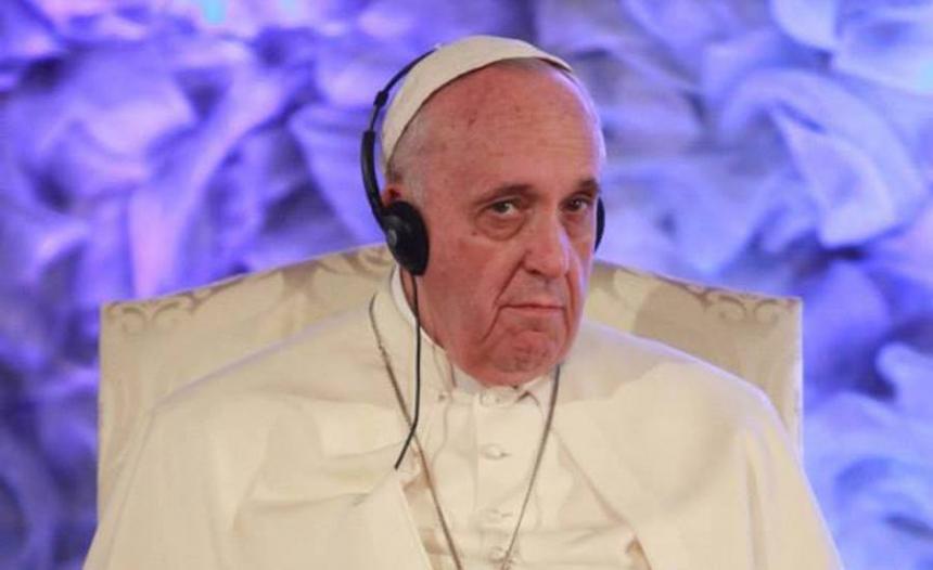 Папа римский Франциск провел литургию на полупустом стадионе в Грузии