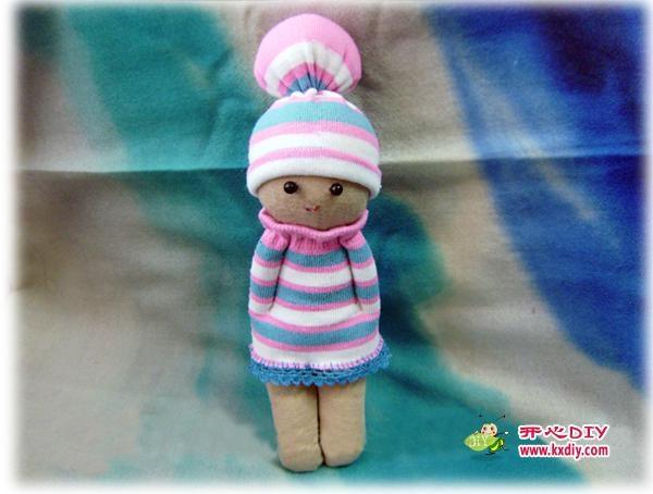 игрушки из носков. куколка и зайчик (11) (600x454, 117Kb)