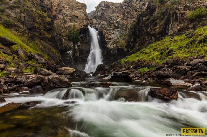 Невероятно зрелищное место в России, долина реки Чулышман