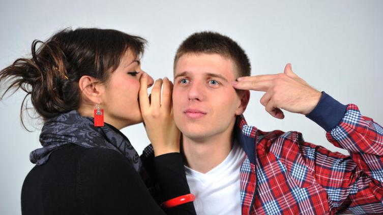 Почему в стрессовой ситуации женщина много говорит, а мужчина молчит?