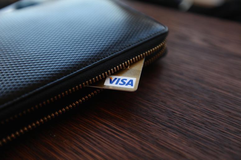 Житель Краснодара, ответив на SMS мошенника, лишился 340 тысяч рублей