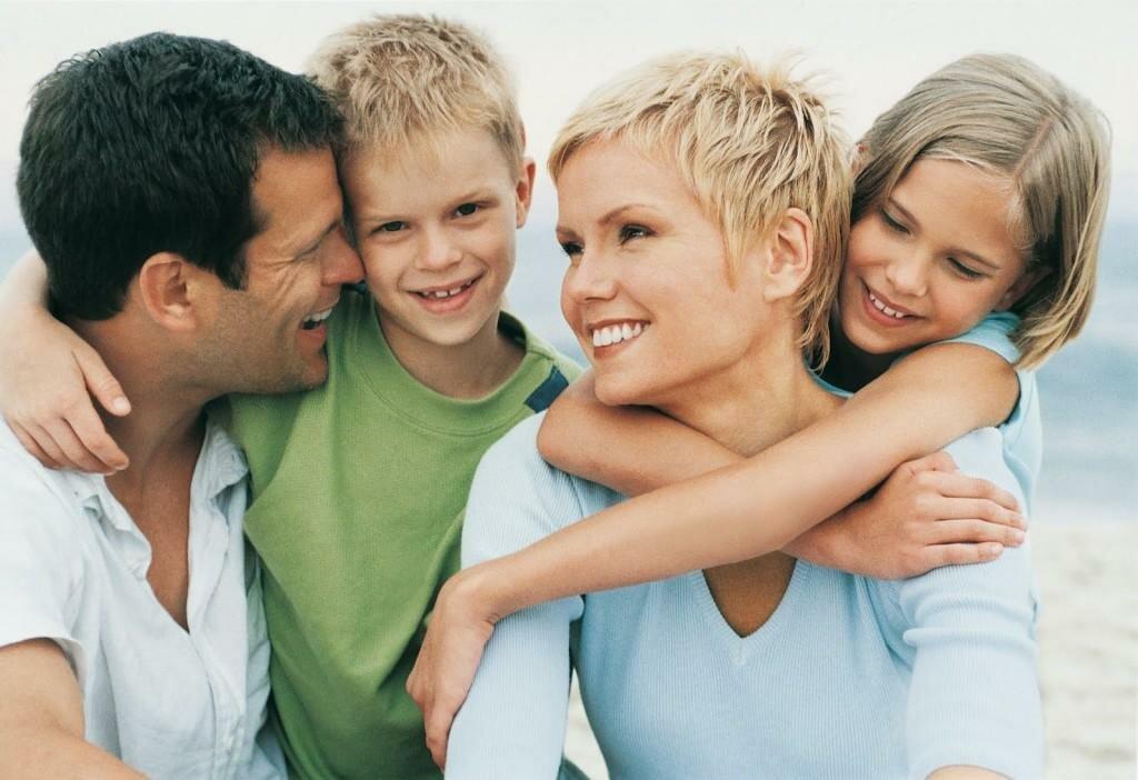 Сладкая ложь или сурвая правда? Отношения между детьми и родителями