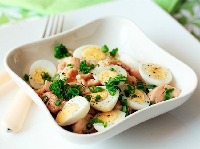 Салат из перепелиных яиц и печени трески - Портал Домашний