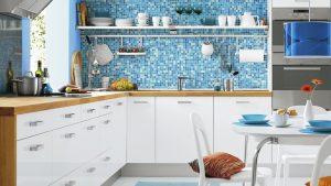 Красивый интерьер голубой кухни