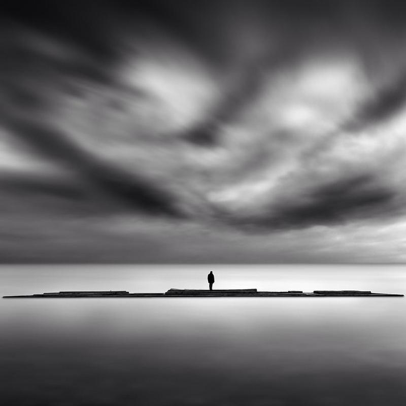 Чёрно-белые пейзажи, уходящие за пределы реальности. Фотограф Джордж Дигалакис 4