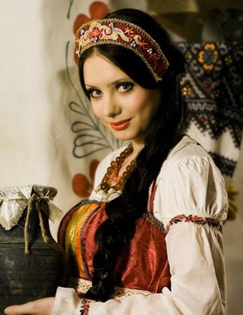 Макияж и прическа в русском стиле