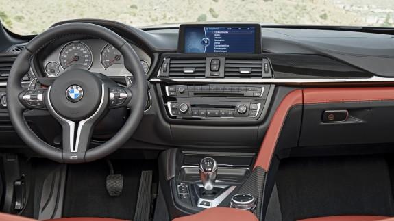BMW объявила российские цены на кабриолет M4