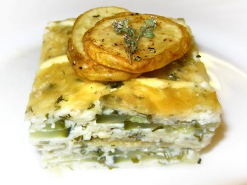 Кабачково-сырная запеканка с чесноком и мятой