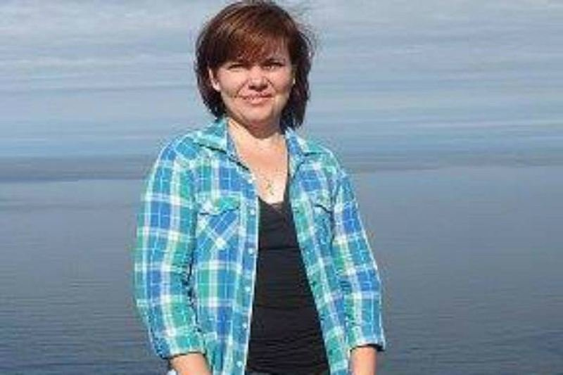 Выжившую в хабаровской авиакатастрофе девочку закрыла своим телом погибший педагог