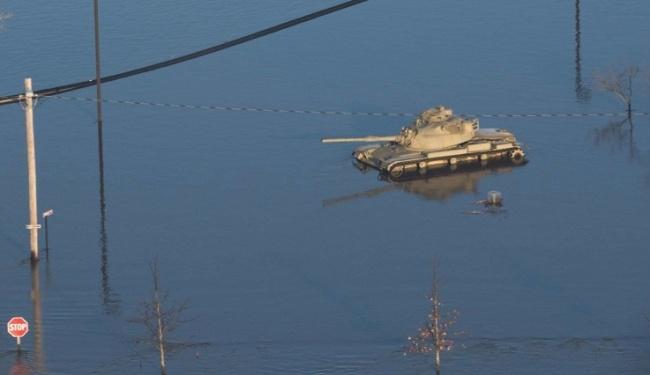Река Миссури затопила базу с…