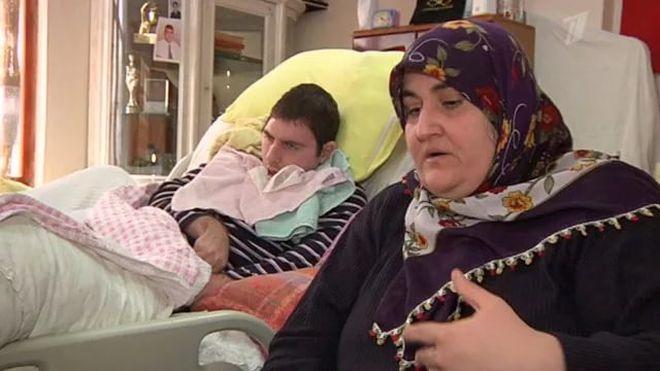 Турчанки стоят раком и показывают