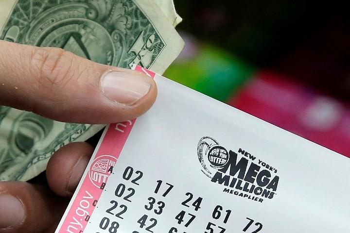 Любимые бейсболисты помогли американцу выиграть 100 000 долларов в лотерею